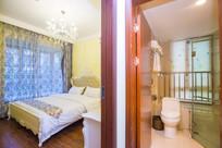 双人床客房卫生间