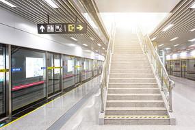 地铁站楼梯