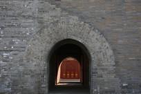 青砖城门洞