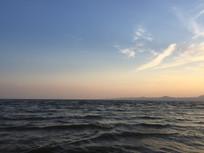 滇池傍晚夕阳西下晚霞风光