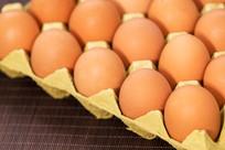 鸡蛋盒里的鸡蛋