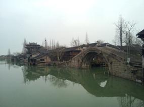乌镇水乡旁边古桥