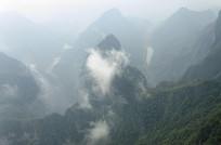 张家界景区山头云雾