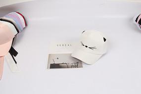 白色小猫咪个性棒球帽