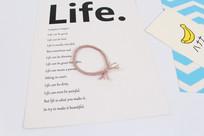 肤色发绳头绳摄影图