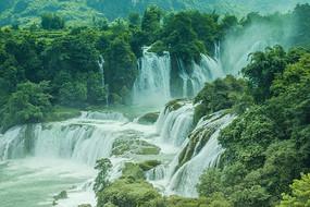 越南广西边境德天瀑布局部