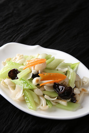 西芹百合白玉菇