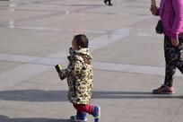 奔跑的小孩