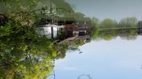 湖边的仿古建筑
