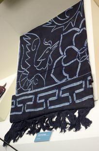 凤穿牡丹纹扎染壁挂