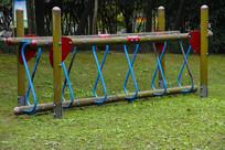 公园独木桥