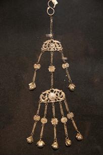 银錾花挂链