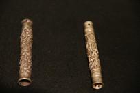 银錾花针线筒