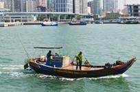 捕鱼的渔船