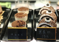 提拉米苏黑森林蛋糕