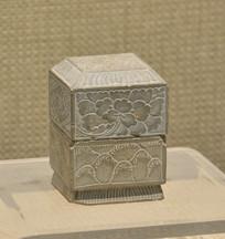 文物莲花纹石印盒