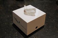 白色抽纸盒