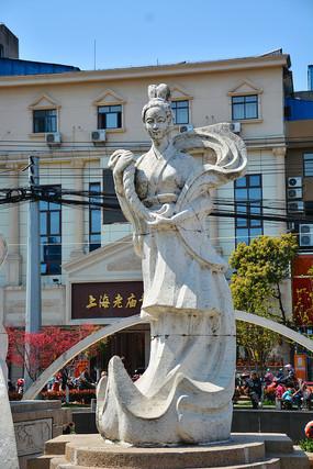 雕像蚕丝仙女像