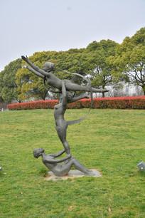 雕像花样舞蹈