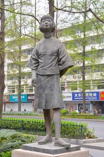 雕像民国女孩