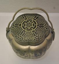 收藏品花纹铜制手炉