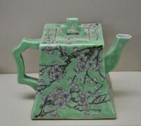 收藏品绿松地墨梅方型茶壶