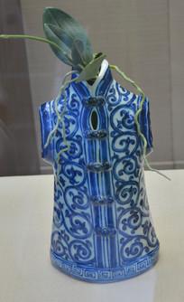 收藏品青花瓷衣花插