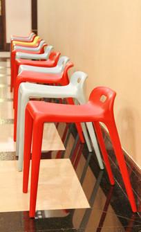 塑料高脚凳子队列
