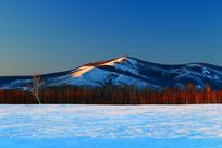 雪野山林景观