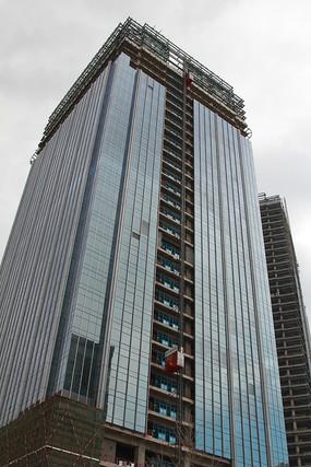 在建的丽泽商务区玻璃幕墙大楼