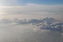 航拍空中像浪花般的云层