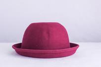 一顶圆形帽子