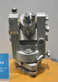 科学仪器德国10形光学经纬仪