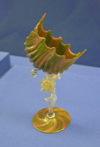欧洲龙纹高脚玻璃酒杯