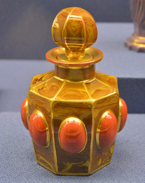 欧洲嵌宝石有塞玻璃瓶
