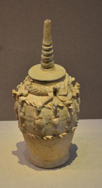文物素烧塔式十二生肖瓷罐