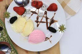 美味的冰淇淋混搭