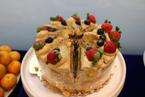 草莓海盐蛋糕