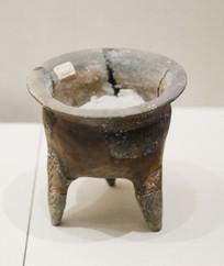 东汉时期陶鼎