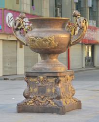 雕塑欧式花纹铜鼎