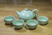 汝窑瓷如意茶壶与茶杯