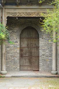 老房子门楼