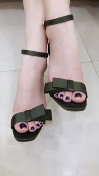 美化脚指甲