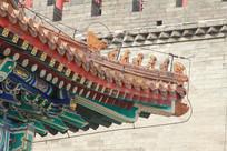 中式传统琉璃瓦屋檐