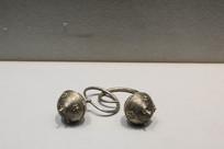 佤族银耳环
