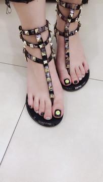 女人脚指甲
