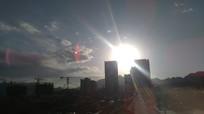 楼上的太阳发射的光