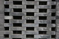 青砖镂空墙面