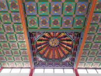 寺庙屋顶装饰图