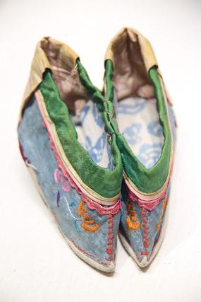 清代弓鞋小脚鞋